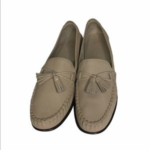 Cole Haan Leather Fringe Loafers Narrow Fit
